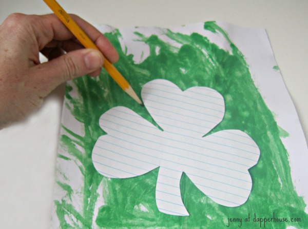 trace a shamrock onto the dry paint design @dapperhouse