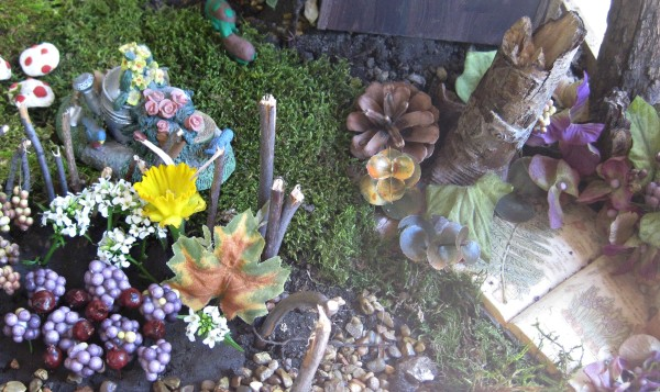 Second hand stores are a great place to look for little additions to your Fairy garden DIY @dapperhouse