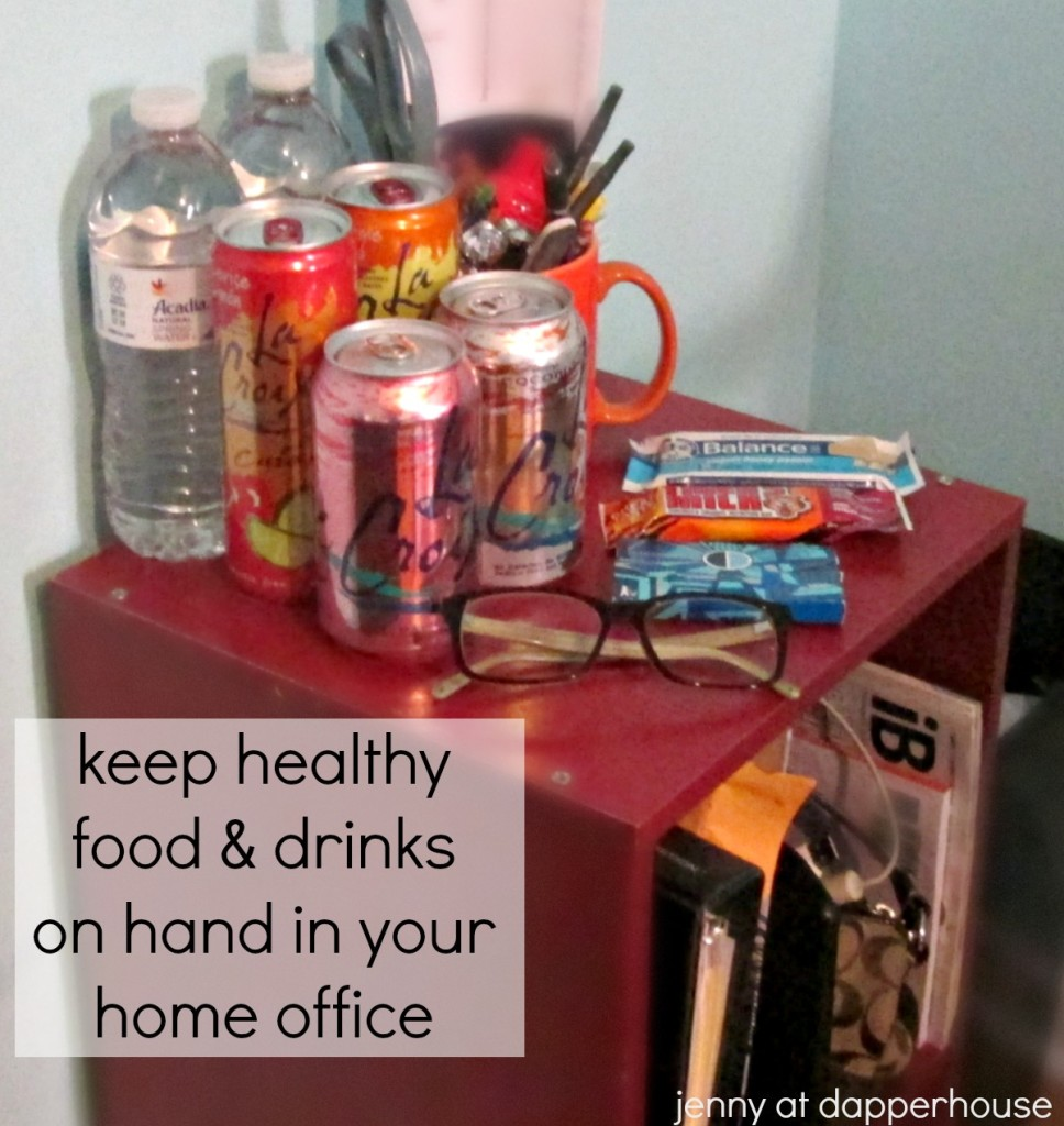 Keep healthy food and drinks on hand in your home office to stay focused and be more productive @dapperhouse
