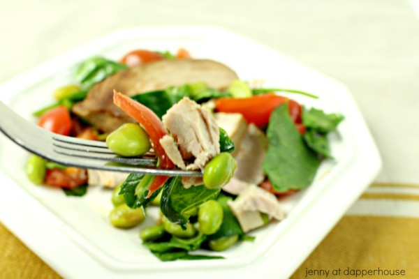 Asian fusion tuna steak salad with fresh veggies - easy to make - jenny at dapperhhouse
