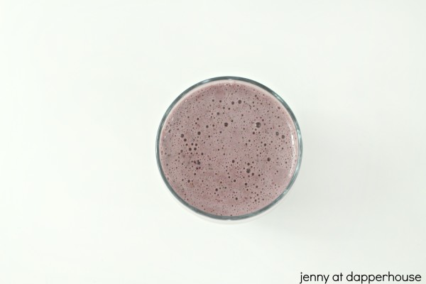 The daily smoothie that fights the symptoms of aging and make syou live happier and healthier - jenny at dapperhouse #recipe