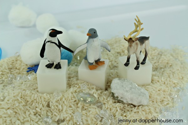 DIY Arctic Sensory Bin for kids to learn through play - jenny at dapperhouse.com