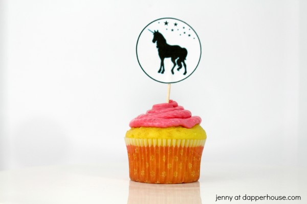 FREE Printable Unicorn Cupcake Toppers and Party papers - jenny at dapperhhouse #free #party #unicorn #cupcake