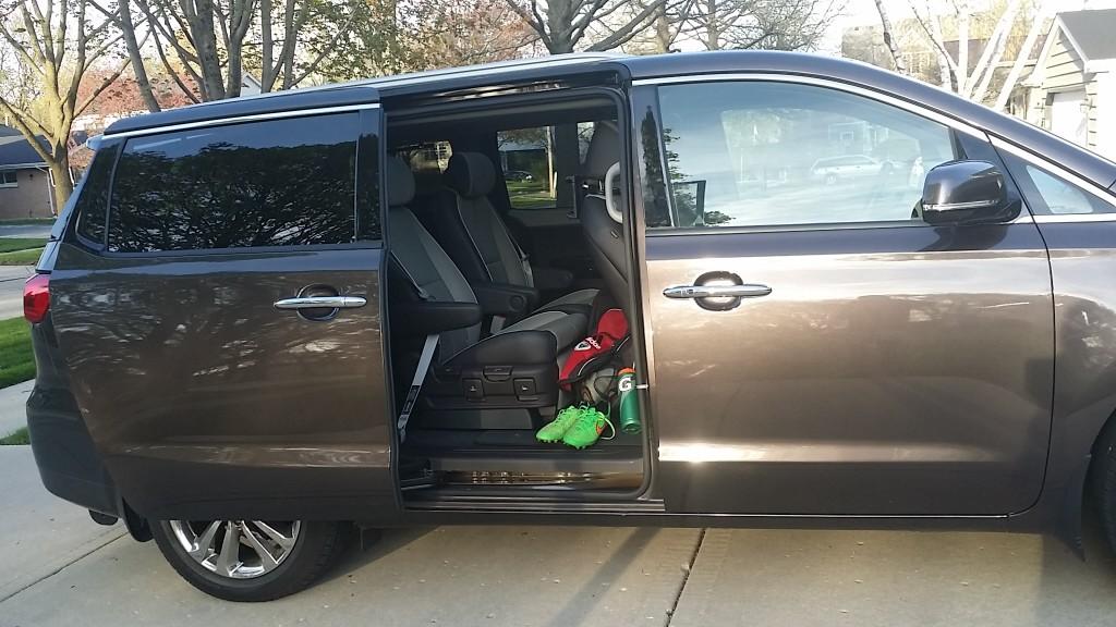 The @KIA #Sedona is Your next Vehicle #minivan #swaggerwagon #swaggervan @DriveShopUSA #SoFabUOTR  - jenny at dapperhouse