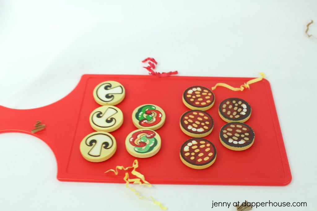 IDIY Learning & Teaching - how to make and use a pizza themed sensory bin - jenny at dapperhouse