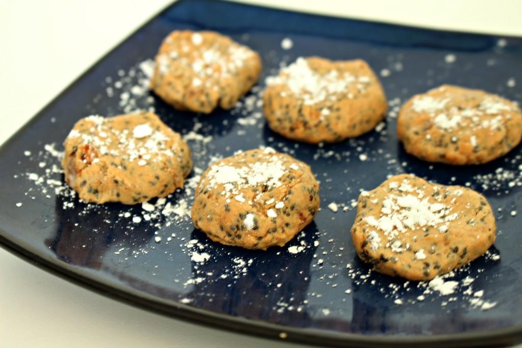Chia Seed Peanut Putter Balls - #recipe - jenny at dapperhouse