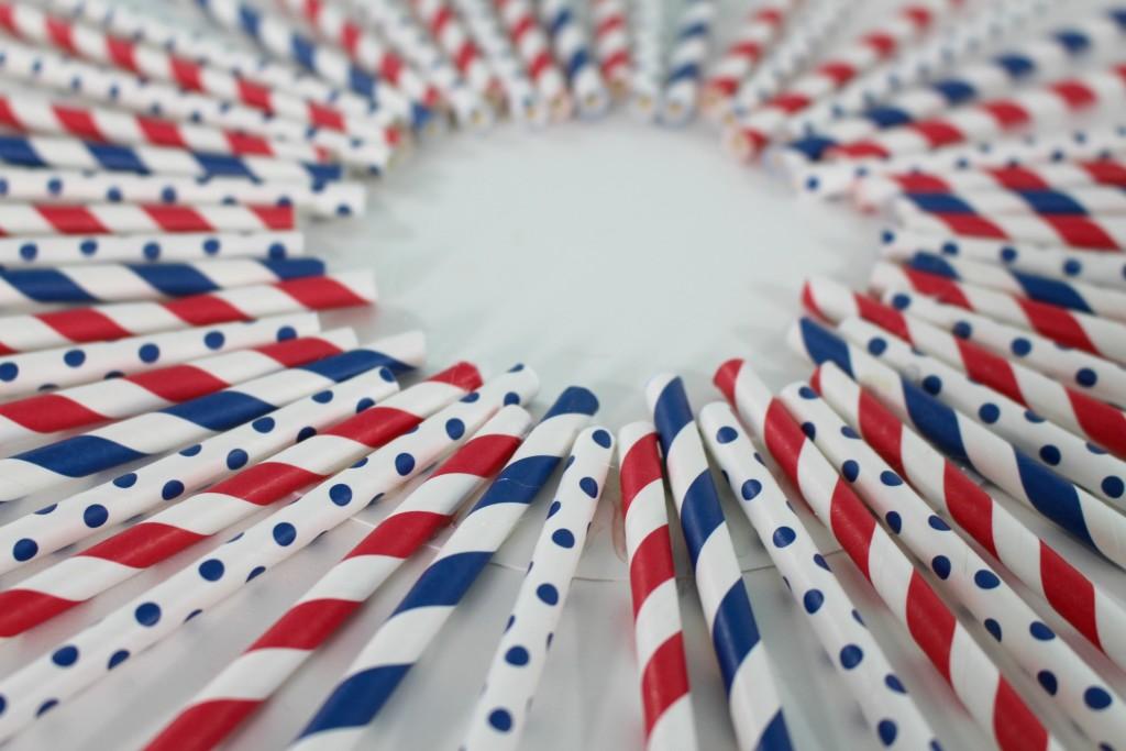 DIY 4th of July Craft Patriotic Wreath - jenny at dapperhouse
