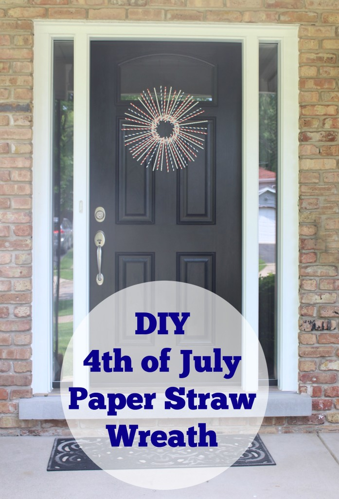 DIY 4th of July Paper Sreaw Wreath Craft - jenny at dapperhouse #patriotic #crafts