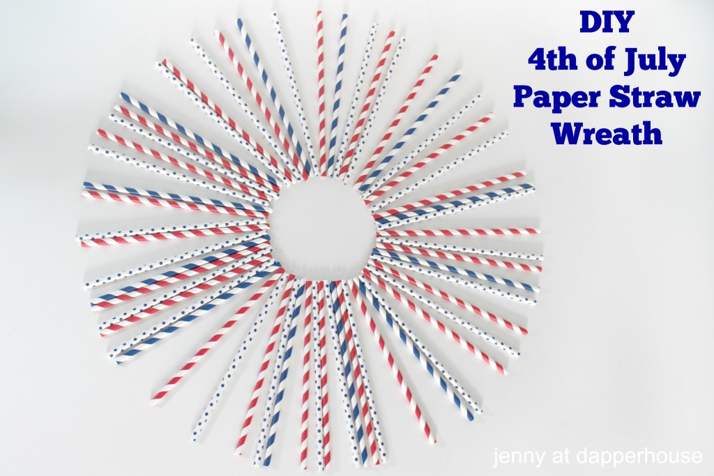 DIY 4th of July Paper Straw Wreath - last minute crafts