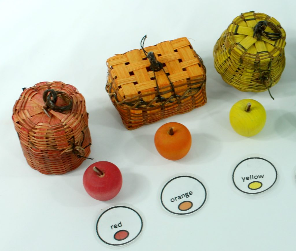 montessori and reggio emilia inspired color sorting game for kids - DIY - jenny at dapperhouse