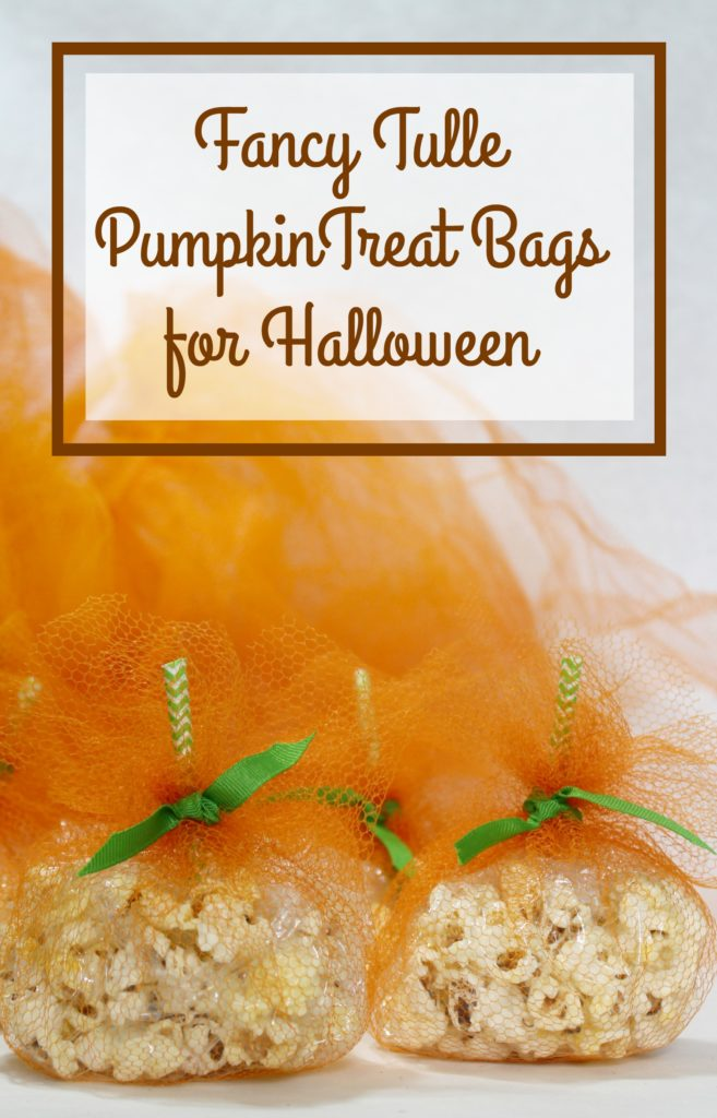 DIY Fancy Tulle Pumpkin Treat Bags for Halloween - jenny at dapperhouse blog #party