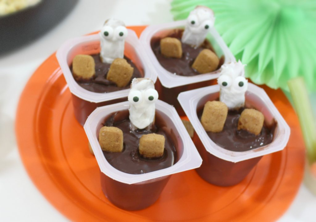 Fun Ghost in the Graveyard Halloween Treats - jenny at dapperhouse blog