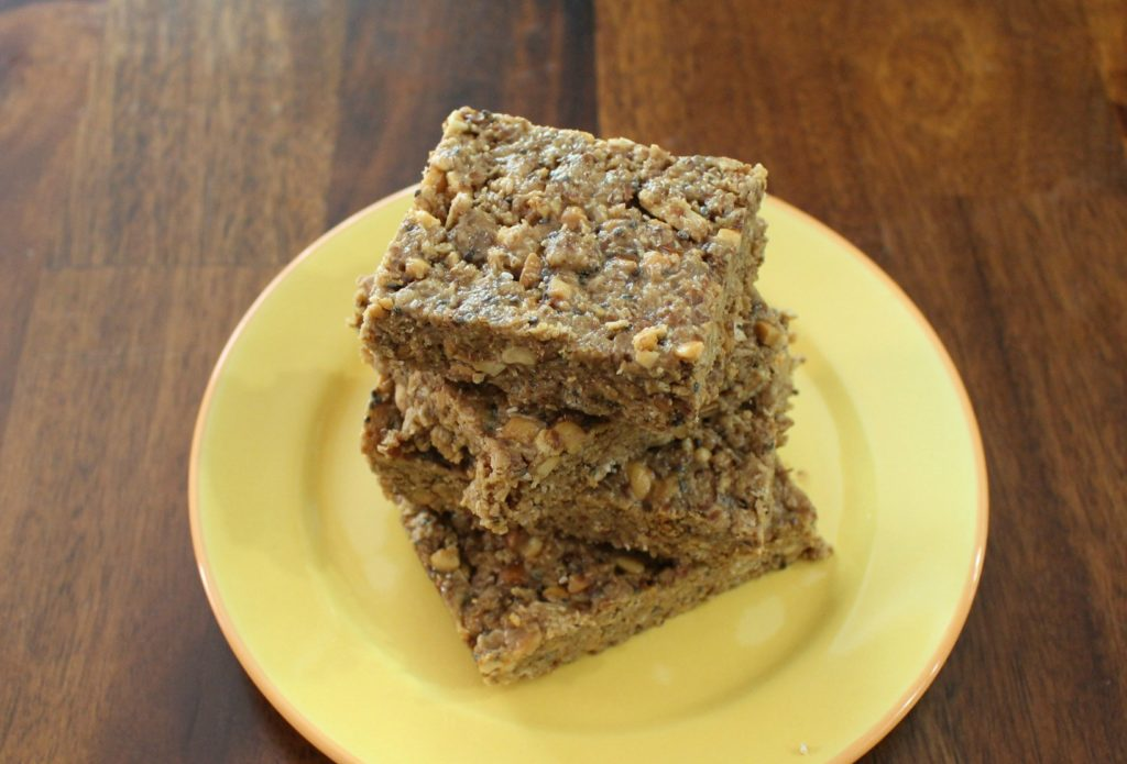 easy healthy and delicious no bake granola bar - jenny at dapperhouse