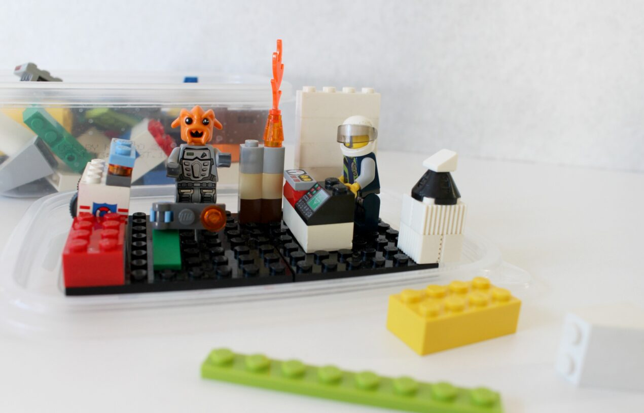 DIY Outer Space Lego Travel Set