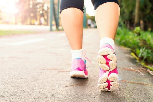 10 Scientifically Proven Benefits of Walking