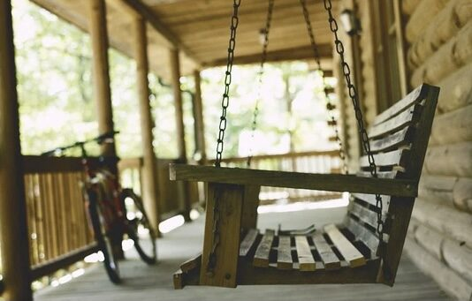 Tips for Adding a Hanging Porch Swing