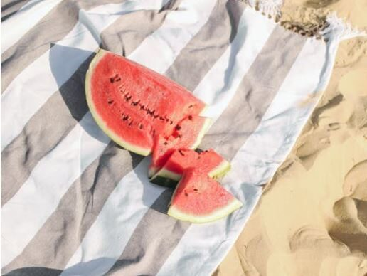 Healthy Snack Ideas for a Day at the Beach